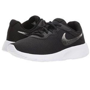Kids Nike Tanjun Black/White Silver Swoosh sz 12C